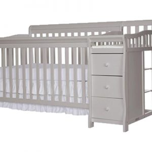 3 in 1 Crib, Dresser and Changing pad